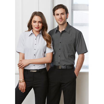 Picture of Mens Signature Short Sleeve Shirt